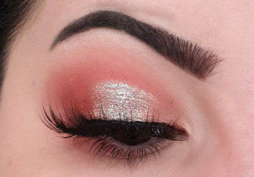 Molten Metal Glitter Eyeshadow
