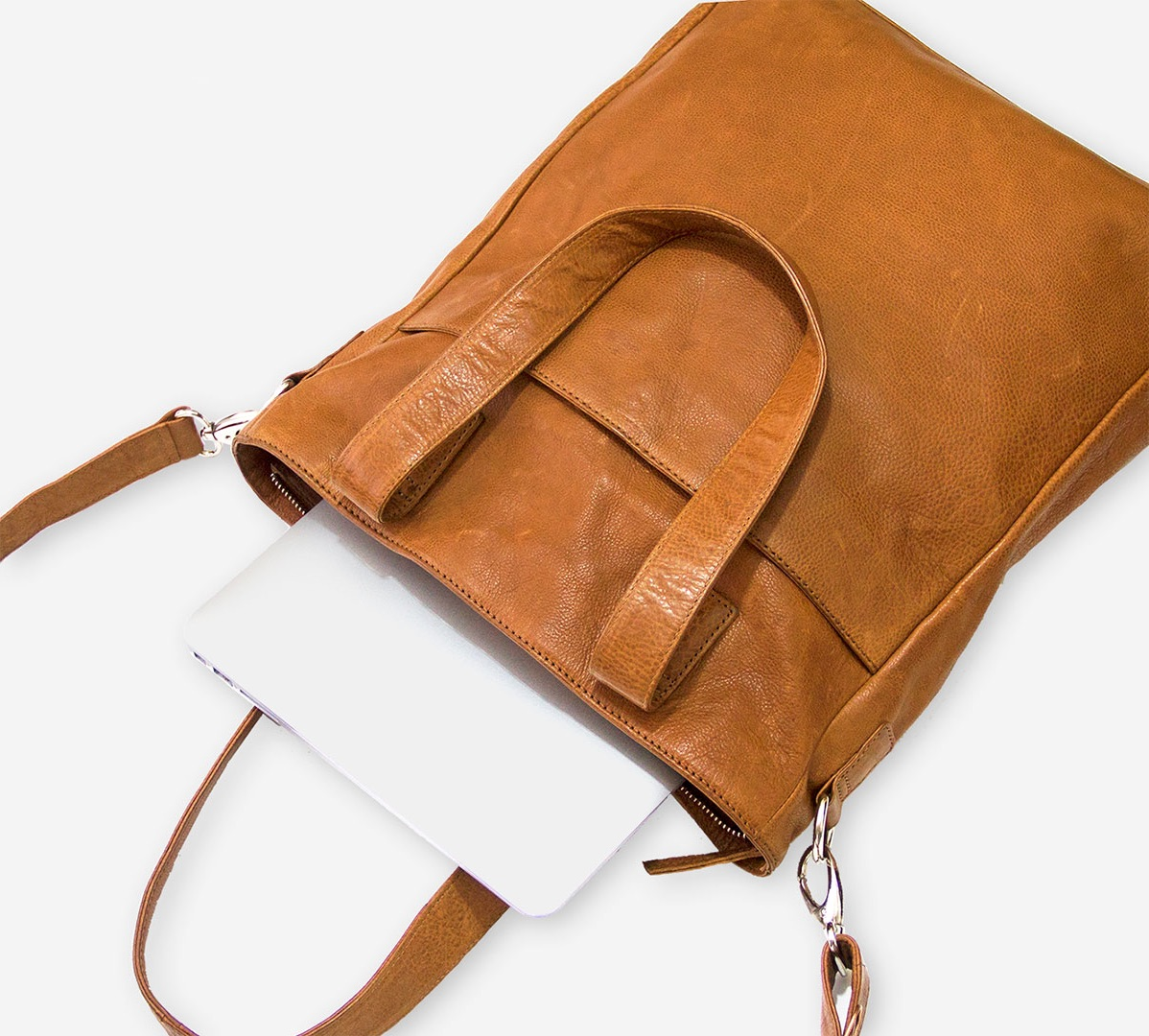 Skuldertaske shopper i stilrent dansk design Flot og praktisk shopper tasker til kvinder Smuk og populær taske til hverdag i ægte læder Taske fra Birkmond, butik i Aarhus og København taskebutik med lædervarer af høj kvalitet