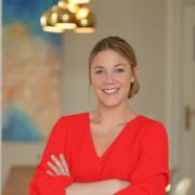 Moderatorin Alina Merkau empfiehlt die natürlichen Babypflegeprodukte von das boep und benutzt sie gerne für die sensible Haut ihre Tochter