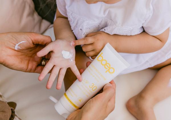 Der richtige mineralische Sonnenschutz für Dich und Dein Baby ist wichtig im Sommer