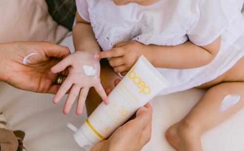 Natürlicher, mineralischer Sonnenschutz ohne Nanopartikel für Babys und Kinder