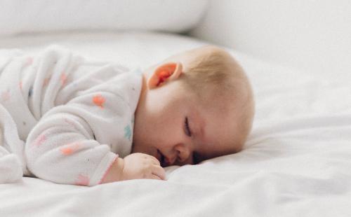 Die richtige Naturkosmetik für die Neugeborenenpflege
