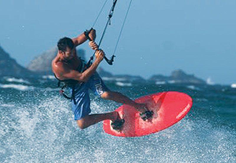 Byron Bay Kitesurfing - Jason Golding at The Pass