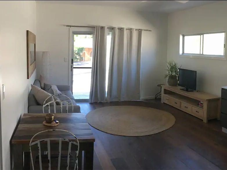 Byron Bay Kitesurfing Apartment Living Room