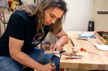 Ron Thorn - Fender Custom Shop Master Builder