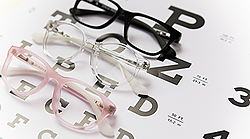 https://jonaspauleyewear.com/pages/5-signs-your-child-may-need-glasses