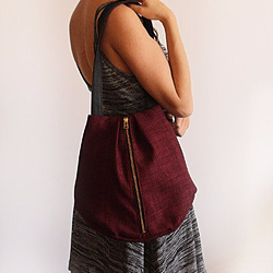 ROME tote, maroon tote bag with zipper for everyday use