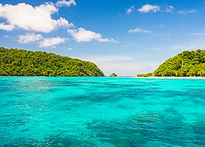 Crystal blue water at Koh Rok Nok Thailand