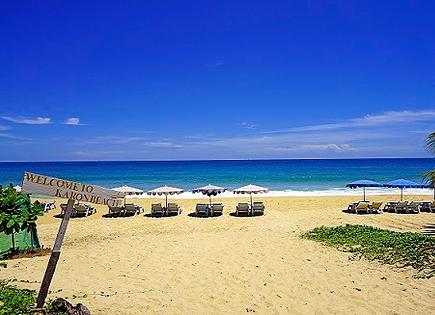 Phuketin Karon ranta Etelä-Thaimaassa