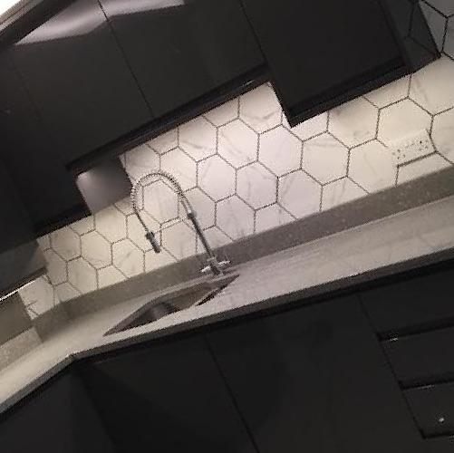 marble-effect-hexagon-tiles
