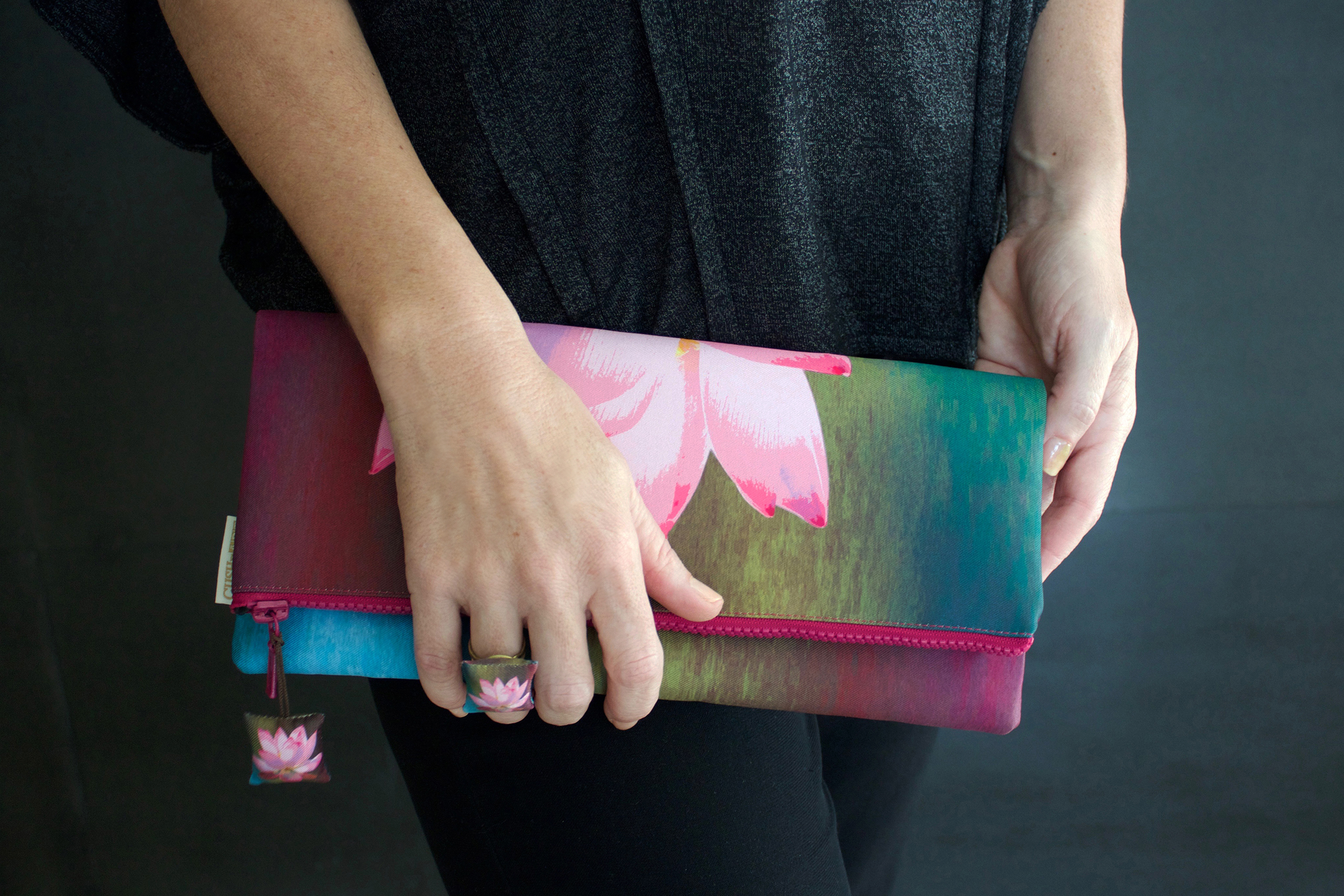 Cushnart lotus de luxe evening clutch
