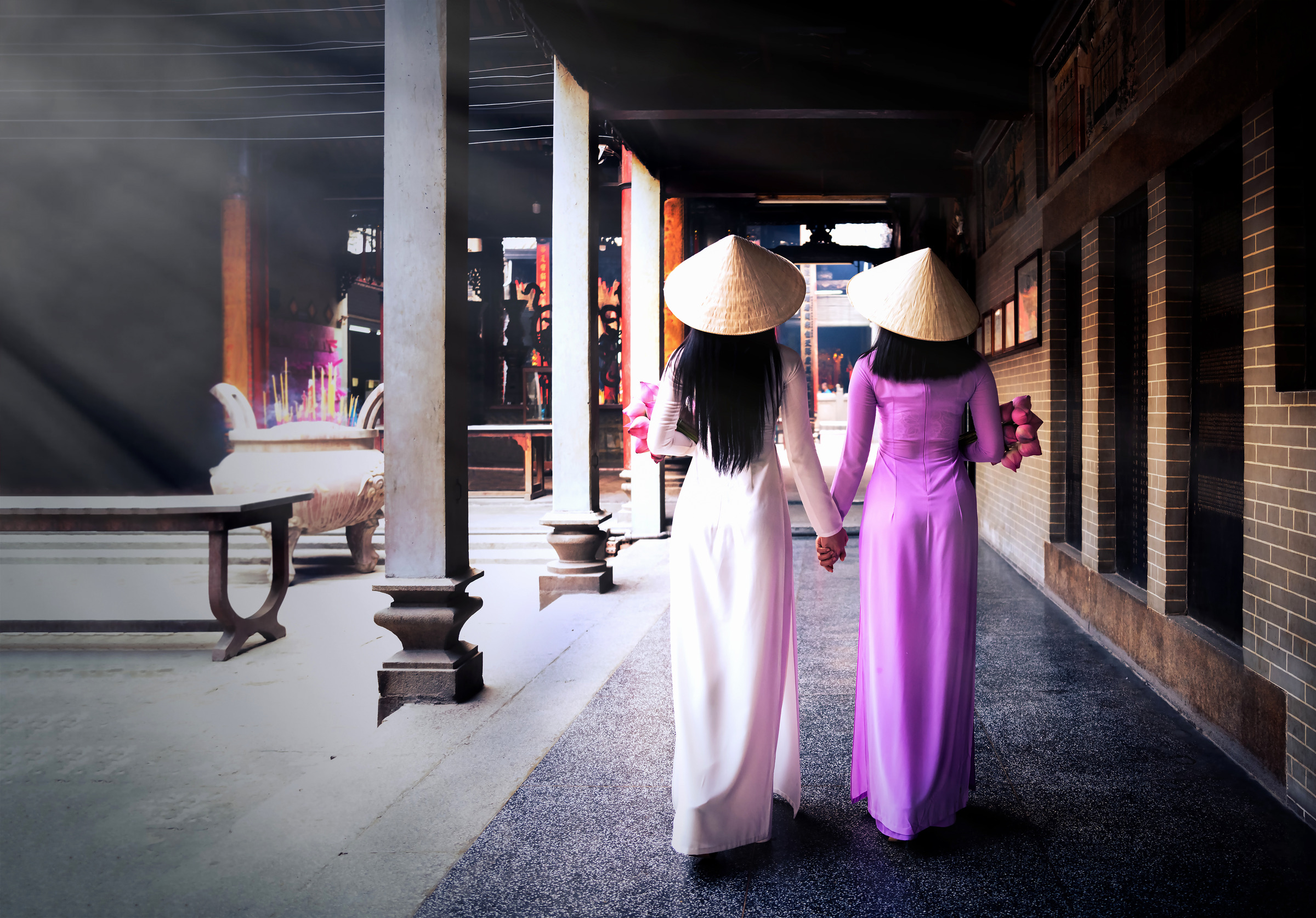 Vietnamese Ladies in Ao Dai